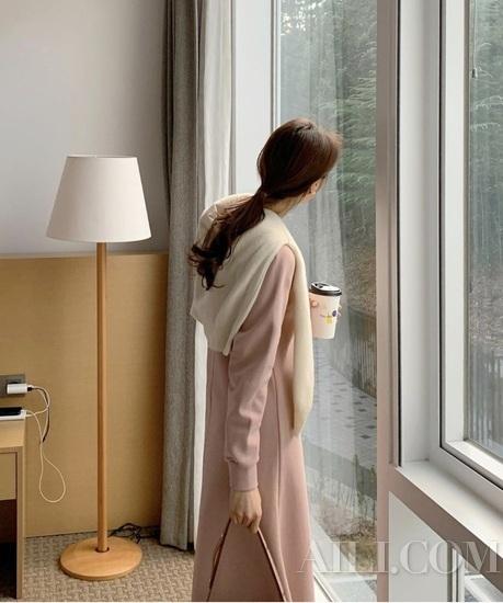早春一件精致开衫 是能驾驭任何温度的任性