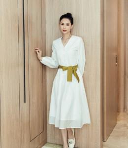 仙气依旧!李若彤穿白色长裙身材窈窕